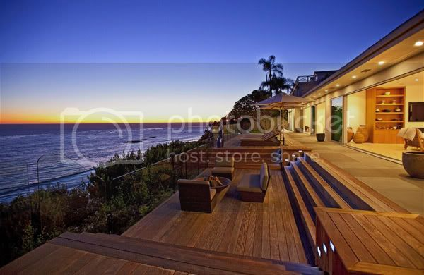 Luxurious Residence in Malibu 